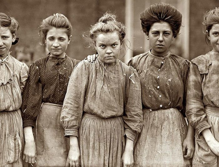 Lewis-Hine-Bibb-Mill-Girls-1909