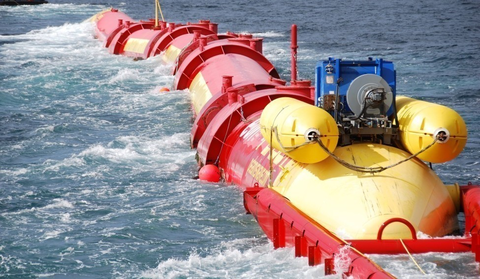 UK-E.ON-Pelamis-Machine-Celebrates-its-First-Anniversary-since-Grid-Connection-at-EMEC