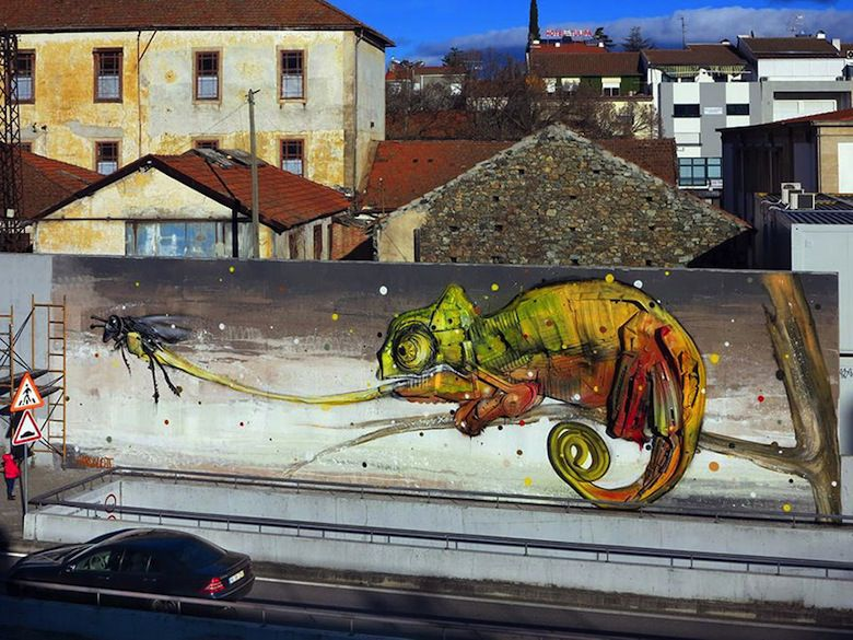 recycled-sculptures-street-art-big-trash-animals-artur-bordalo-6