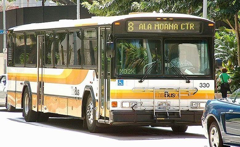 city-bus-shelter-homeless-group-70-hawaii-8
