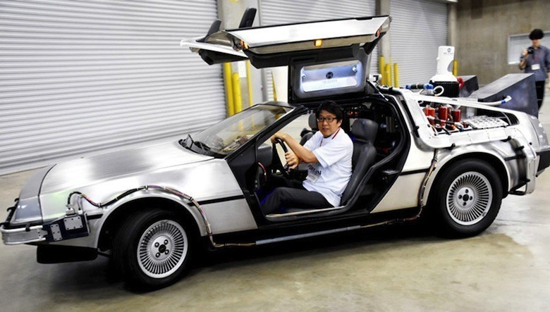 une delorean carburant aux d chets fait son apparition tokyo. Black Bedroom Furniture Sets. Home Design Ideas