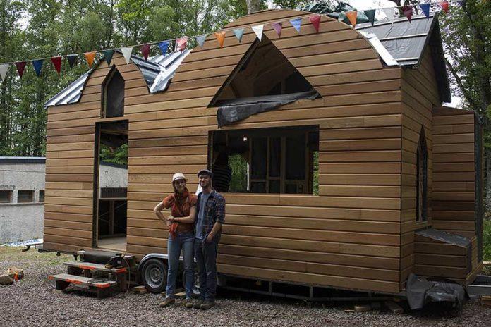 Ces deux jeunes vous aident construire votre micro for Construire et concevoir votre propre maison