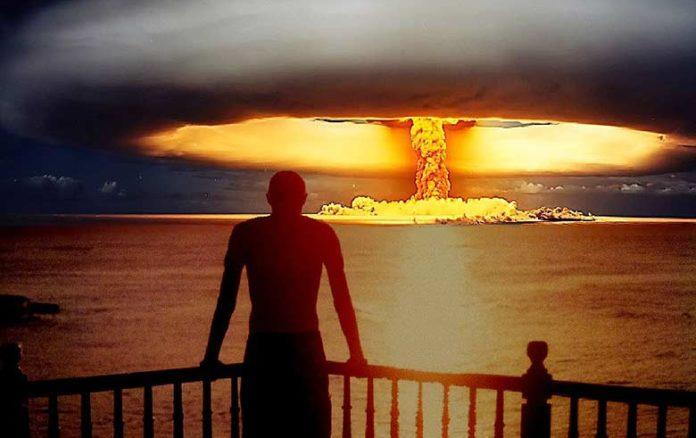 « La bombe et nous » : quand des cadres de l'armée critiquent l'arme nucléaire (Film) By Mrmondialisation  8292545493_8baa0b4f9c_o-e1520769018558-696x438