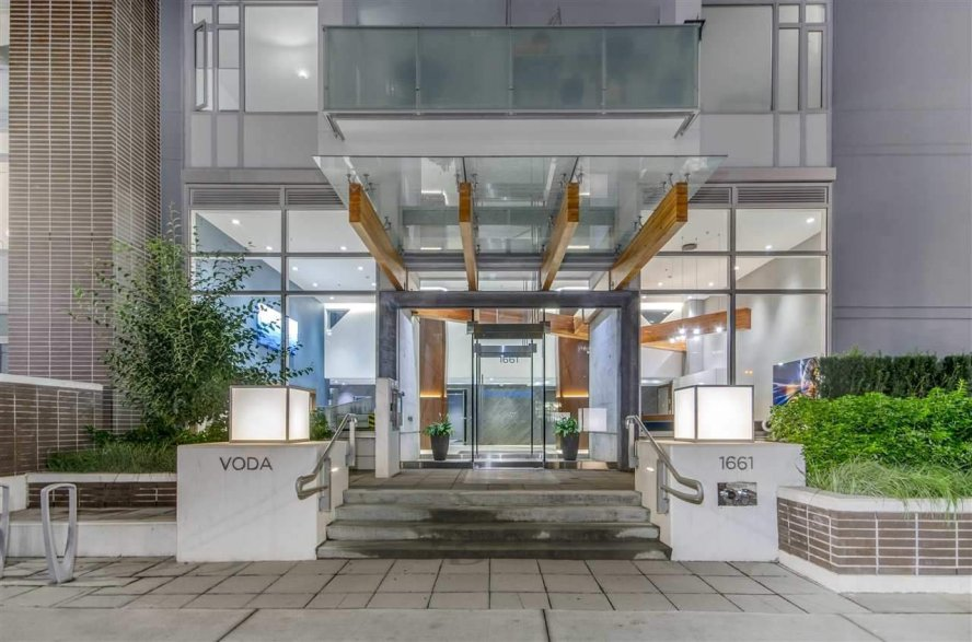 """Main Photo: 908 1661 QUEBEC Street in Vancouver: Mount Pleasant VE Condo for sale in """"VODA"""" (Vancouver East)  : MLS®# R2528421"""
