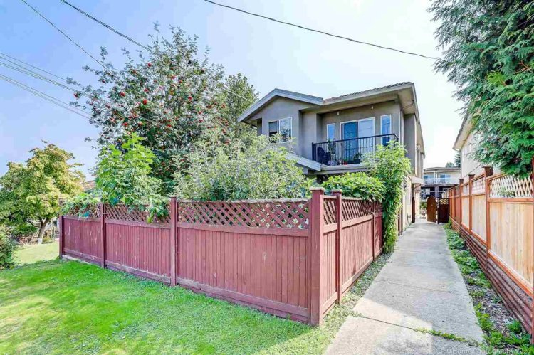 Main Photo: 5938 HARDWICK Street in Burnaby: Central BN 1/2 Duplex for sale (Burnaby North)  : MLS®# R2497096