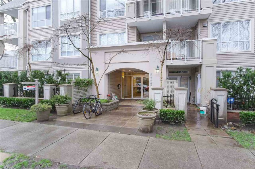 "Main Photo: 404 2755 MAPLE Street in Vancouver: Kitsilano Condo for sale in ""Davenport Lane"" (Vancouver West)  : MLS®# R2428313"