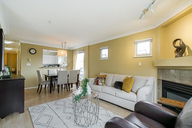 """Main Photo: 204 3590 W 26TH Avenue in Vancouver: Dunbar Condo for sale in """"DUNBAR HEIGHTS"""" (Vancouver West)  : MLS®# R2355708"""