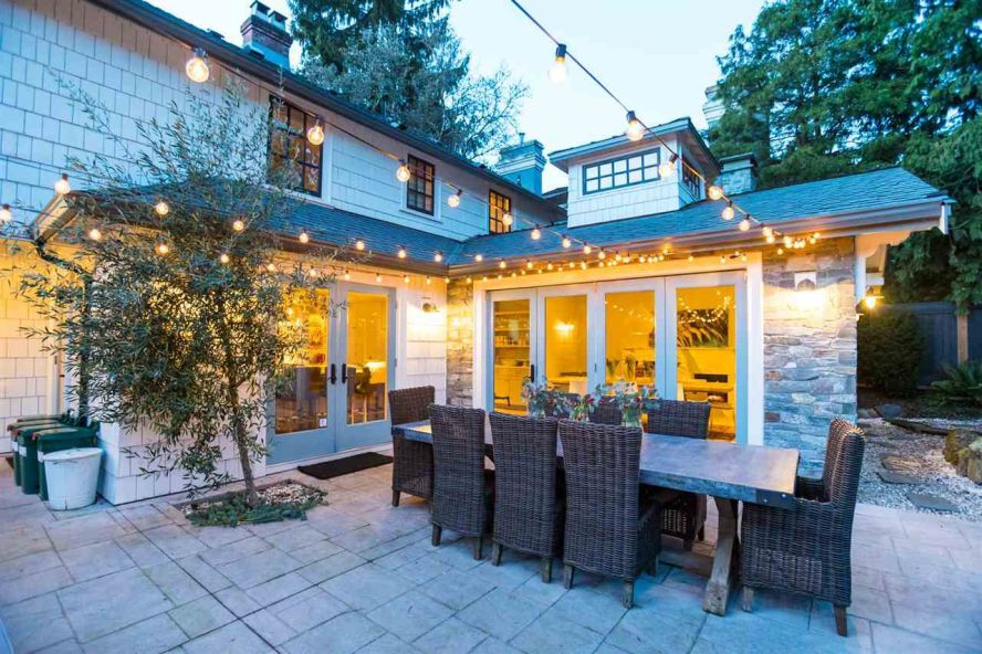 Main Photo: 6370 MCCLEERY Street in Vancouver: Kerrisdale House for sale (Vancouver West)  : MLS®# R2331480
