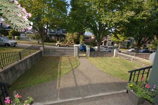 Photo 18: 3428 E 4TH Avenue in Vancouver: Renfrew VE House for sale (Vancouver East)  : MLS®# R2487553