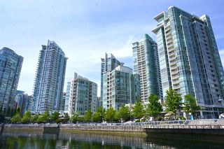 "Photo 6: 39 1088 MARINASIDE Crescent in Vancouver: Yaletown Condo for sale in ""QUAYSIDE MARINA"" (Vancouver West)  : MLS®# R2449993"