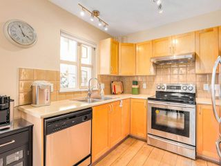 """Photo 2: 211 2338 WESTERN Parkway in Vancouver: University VW Condo for sale in """"WINSLOW COMMONS"""" (Vancouver West)  : MLS®# R2429976"""