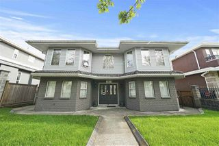 """Photo 1: 1670 E 57TH Avenue in Vancouver: Fraserview VE House for sale in """"FRASERVIEW"""" (Vancouver East)  : MLS®# R2528714"""