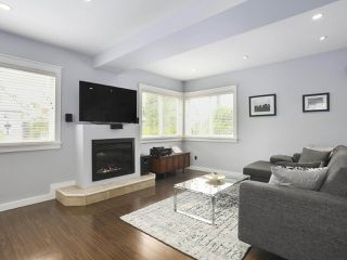 Photo 2: 77 E KING EDWARD Avenue in Vancouver: Main House for sale (Vancouver East)  : MLS®# R2419874