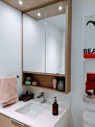 """Photo 9: 908 1661 QUEBEC Street in Vancouver: Mount Pleasant VE Condo for sale in """"VODA"""" (Vancouver East)  : MLS®# R2528421"""