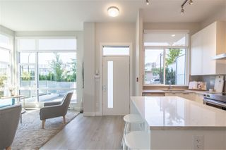 """Photo 12: TH1 1728 GILMORE Avenue in Burnaby: Willingdon Heights Townhouse for sale in """"ESCALA"""" (Burnaby North)  : MLS®# R2480300"""