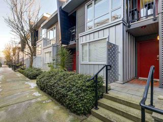 """Photo 19: 119 672 W 6TH Avenue in Vancouver: Fairview VW Townhouse for sale in """"BOHEMIA"""" (Vancouver West)  : MLS®# R2401186"""