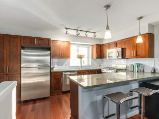 """Photo 8: 119 672 W 6TH Avenue in Vancouver: Fairview VW Townhouse for sale in """"BOHEMIA"""" (Vancouver West)  : MLS®# R2401186"""