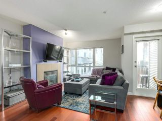 """Photo 4: 119 672 W 6TH Avenue in Vancouver: Fairview VW Townhouse for sale in """"BOHEMIA"""" (Vancouver West)  : MLS®# R2401186"""