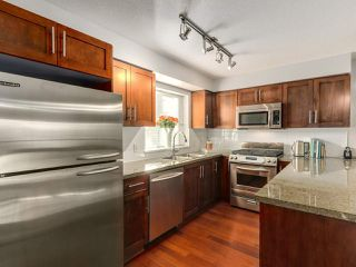 """Photo 9: 119 672 W 6TH Avenue in Vancouver: Fairview VW Townhouse for sale in """"BOHEMIA"""" (Vancouver West)  : MLS®# R2401186"""