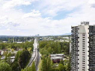 "Photo 13: 2305 3737 BARTLETT Court in Burnaby: Sullivan Heights Condo for sale in ""Timberlea - The Maple"" (Burnaby North)  : MLS®# R2453659"