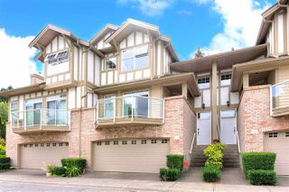"""Photo 2: 49 5221 OAKMOUNT Crescent in Burnaby: Oaklands Townhouse for sale in """"SEASONS BY THE LAKE"""" (Burnaby South)  : MLS®# R2480570"""
