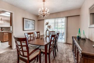 Photo 3: 6924 HYCREST Drive in Burnaby: Montecito House for sale (Burnaby North)  : MLS®# R2344391