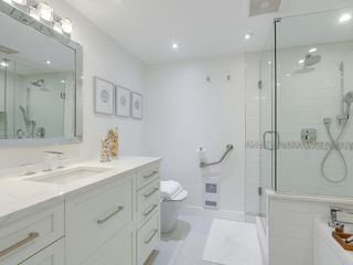 """Photo 12: 601 1970 HARO Street in Vancouver: West End VW Condo for sale in """"LAGOON ROYALE"""" (Vancouver West)  : MLS®# R2315150"""