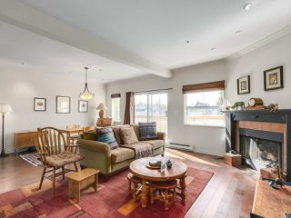 Photo 1: 2244 W 14 Avenue in Vancouver: Kitsilano Townhouse for sale (Vancouver West)  : MLS®# R2332437
