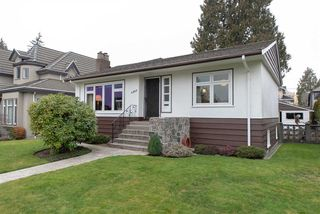 Photo 1: 4063 W 40TH Avenue in Vancouver: Dunbar House for sale (Vancouver West)  : MLS®# R2343366