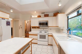 Photo 8: 4911 BLENHEIM Street in Vancouver: Dunbar House for sale (Vancouver West)  : MLS®# R2344653