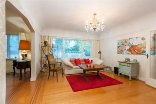 Photo 4: 4911 BLENHEIM Street in Vancouver: Dunbar House for sale (Vancouver West)  : MLS®# R2344653
