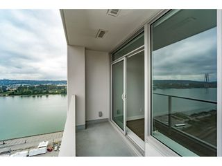"Photo 15: 2005 668 COLUMBIA Street in New Westminster: Quay Condo for sale in ""TRAPP & HOLBROOK"" : MLS®# R2203943"