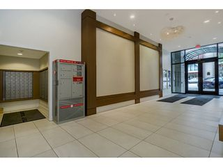"Photo 3: 2005 668 COLUMBIA Street in New Westminster: Quay Condo for sale in ""TRAPP & HOLBROOK"" : MLS®# R2203943"