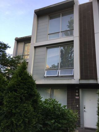 Photo 3: 107 4798 HAZEL Street in Burnaby: Forest Glen BS Townhouse for sale (Burnaby South)  : MLS®# R2374424