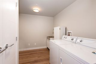 """Photo 15: 307 4289 HASTINGS Street in Burnaby: Vancouver Heights Condo for sale in """"Modena"""" (Burnaby North)  : MLS®# R2358636"""