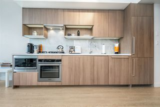 Photo 2: 505 6538 NELSON Avenue in Burnaby: Metrotown Condo for sale (Burnaby South)  : MLS®# R2382472