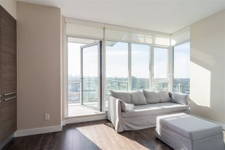 """Photo 3: 3409 2008 ROSSER Avenue in Burnaby: Brentwood Park Condo for sale in """"SOLO DISTRICT - STRATUS"""" (Burnaby North)  : MLS®# R2411300"""