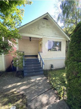 Photo 1: 1540 E 3RD Avenue in Vancouver: Grandview Woodland House for sale (Vancouver East)  : MLS®# R2461075