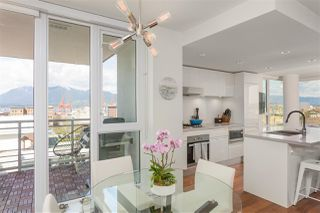 """Photo 2: 1807 188 KEEFER Street in Vancouver: Downtown VE Condo for sale in """"188 Keefer"""" (Vancouver East)  : MLS®# R2453086"""