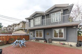 Photo 4: 6031 HARDWICK Street in Burnaby: Central BN 1/2 Duplex for sale (Burnaby North)  : MLS®# R2517541