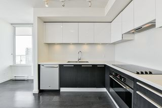 """Photo 4: 3202 6333 SILVER Avenue in Burnaby: Metrotown Condo for sale in """"SILVER"""" (Burnaby South)  : MLS®# R2470696"""