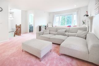 Photo 7: 5812 DUMFRIES Street in Vancouver: Killarney VE House for sale (Vancouver East)  : MLS®# R2528055