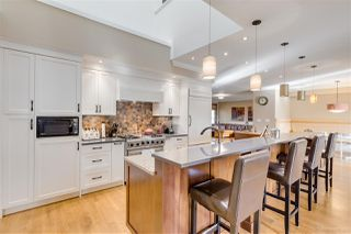 """Photo 4: 3327 LAKEDALE Avenue in Burnaby: Government Road House for sale in """"Government Road Area"""" (Burnaby North)  : MLS®# R2322333"""
