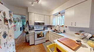 Photo 10: 6031 CULLODEN Street in Vancouver: South Vancouver House for sale (Vancouver East)  : MLS®# R2528087