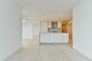 """Photo 8: 4908 4670 ASSEMBLY Way in Burnaby: Metrotown Condo for sale in """"STATION SQUARE 2"""" (Burnaby South)  : MLS®# R2346789"""