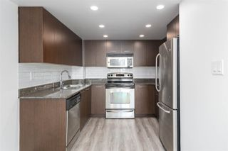 """Photo 6: 1101 1212 HOWE Street in Vancouver: Downtown VW Condo for sale in """"1212 HOWE"""" (Vancouver West)  : MLS®# R2351549"""