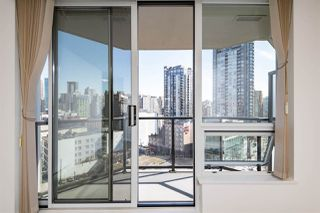 """Photo 12: 1101 1212 HOWE Street in Vancouver: Downtown VW Condo for sale in """"1212 HOWE"""" (Vancouver West)  : MLS®# R2351549"""