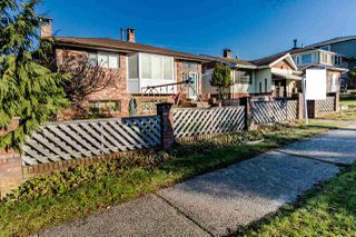 Photo 2: 3505 WORTHINGTON Drive in Vancouver: Renfrew Heights House for sale (Vancouver East)  : MLS®# R2421124