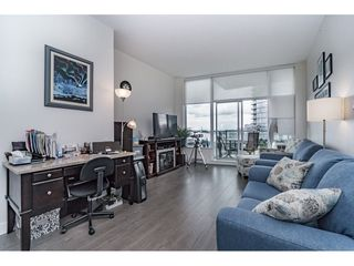 """Photo 3: 712 668 COLUMBIA Street in New Westminster: Quay Condo for sale in """"TRAPP AND HOLBROOK"""" : MLS®# R2178906"""