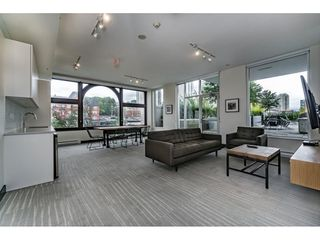 """Photo 17: 712 668 COLUMBIA Street in New Westminster: Quay Condo for sale in """"TRAPP AND HOLBROOK"""" : MLS®# R2178906"""